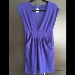 Dresses & Skirts - New Indigo deep V knit dress with pockets